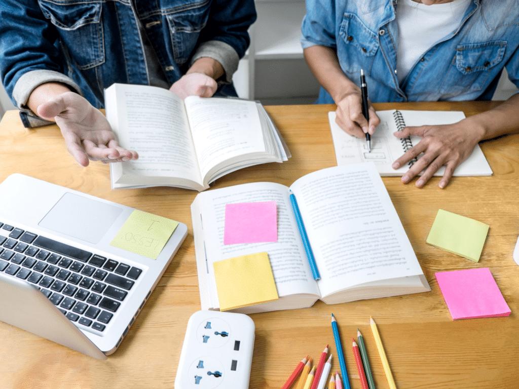 student receiving academic coaching